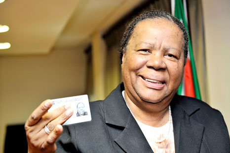 Minister Nadeldi Pandor with a smart ID card